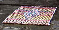 recycled-flip-flop-area-rug1.jpg